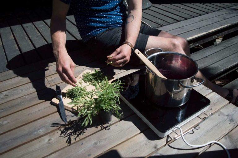 Sunnersta cucina con piastra ad induzione ikeathe blog post for Piastra a induzione portatile ikea